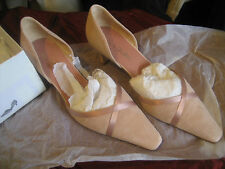 ) a Stylish Pair of Jane Shilton Banofee Pink Suede Shoes Size 41