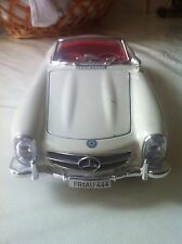 Burago Diecast Model Car Mercedes Benz 300SL 1:18 Scale