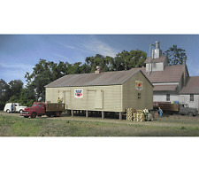 Walthers 933-3230 N Co-Op Storage Shed Structuer Kit