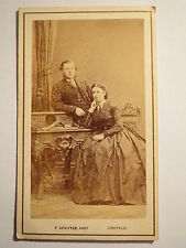 Krefeld - Mann und Frau in Wohnung / CDV