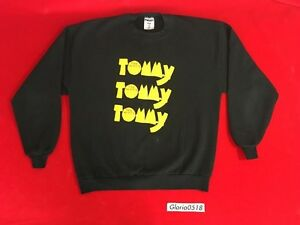 Vintage 1997 Tommy Musical Black Yellow Red Crewneck Sweatshirt Sweater Size XL