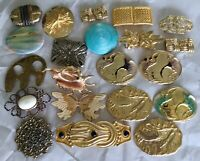 LOT OF 21 GOLD METAL CRANES SEASHELL LEAVES BELT BUCKLES VINTAGE CRAFT OR USE