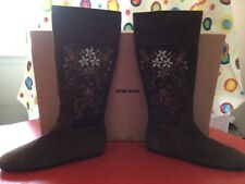 MIU MIU, Embroidered Boots,ONE OF A KIND!Size 40,VINTAGE, SALE,RETAIL 1899.00