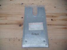 Briton piastra di copertura per vecchie pavimentazioni a molla in acciaio inox satinato.