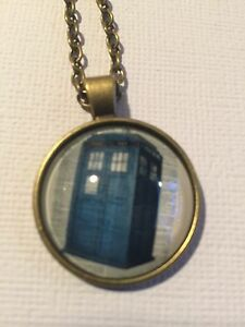 Vintage Pieces - Bronze Necklace Glass Cameo - Dr Who The Tardis Telephone Box