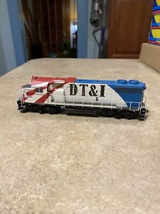 Detroit Toledo and Ironton Bicentennial DT&I GP 38-2 #1776 ATHEARN RTR 79983