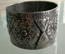 bracelet berbère XIX ème siècles,serti de pierres verte