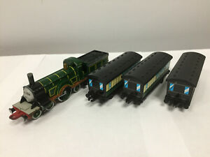 ERTL TRAIN DIECAST Thomas The Tank Engine & Friends - Emily & 3 Coaches