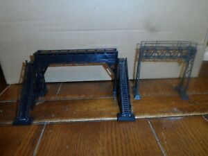 HO SCALE PEDESTRIAN AND SIGNAL BRIDGE BLACK