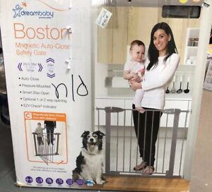 """Dreambaby Boston Magnetic Auto Close Security Gate w/Stay Open (29.5-38"""") TAUPE"""