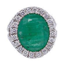 18kt Oro Bianco Mix Anello di forma ovale Smeraldo Aureola Diamante 10.36 Kt