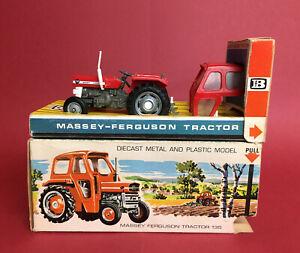 1968-69 Britains 1/32 Massey Ferguson 135 Tractor 1st Issue No9529 ExIB