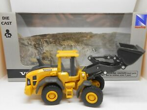 TOY CAR VOLVO L60H DIGGER TOY TRACTOR BOY GIRL DAD BIRTHDAY GIFT PRESENT BOXED