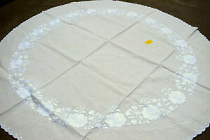 """Vtg Beautiful  Hungarian MATYO Hand Embroidered Round Tablecloth  42.5"""""""
