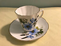 Royal Dover Tea Cup And Saucer Blue Flower Bone China Made In England. EUC
