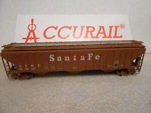 Accurail Santa Fe 4750 Covered Hopper Car in Box HO #137