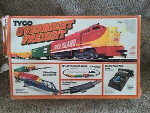 1988 TYCO HO Overnight Freight Electric Train Set ROCK ISLAND *READ DISCRIPTION*