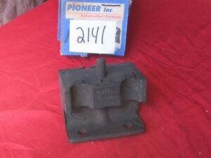 New 1959-1962 Ford, Mercury motor mount, 8 cylinder, please read...