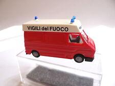 Praline 0348 Fiat 242 bomberos Vigili del Fuoco 1:87