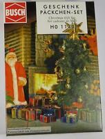 BNIB OO / HO BUSCH 1140 CHRISTMAS TREE & PRESENTS