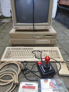 Amiga 2000 mit Zubehör