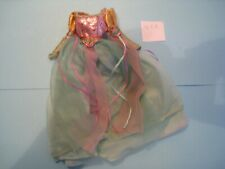 Tenue Mattel taille Barbie une robe de princesse lot N°1061