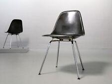 1 (von 2)  Eames Fiberglas Side Chair Black von Herman Miller/ Vitra DSX Stuhl