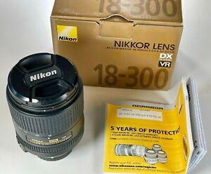 Nikon AF-S DX NIKKOR 18-300mm f/3.5-6.3G ED VR Lens NEAR PERFECT