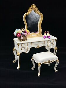 Fashion Royalty_Integrity Toys_Silkstone Barbie Doll_Mirrored Vanity & Bench Set