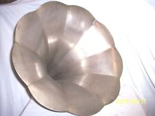 """COLUMBIA PHONOGRAPH 20"""" SCREW IN STYLE HORN , 9 PETALS"""