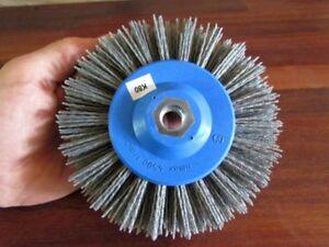 Rund Schleif Bürste 140 x55 abrasiv SiC K46 M14 für ger. Winkelschleifer 2000upm