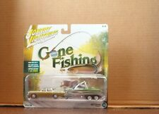 Johnny Lightning 1:64 Gone Fishing Set 1973 Chevy Caprice with Boat & Trailer