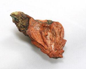 Heulandita con Escrito Rojo Fibroso Radial Desde Valle Por Fassa