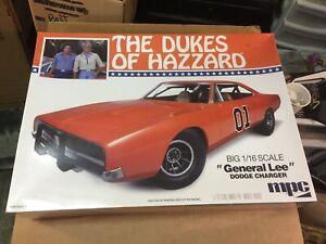 1/16 Dukes Of Hazard Charger model  (sealed)