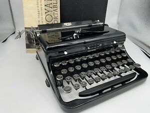 Antique 1938 Royal Model O Vintage Typewriter O-801960, BEAUTIFUL & works great!