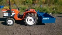 Kubota B1702 4wd Compact Mini Garden Tractor & New Tipping Linkage Transport Box