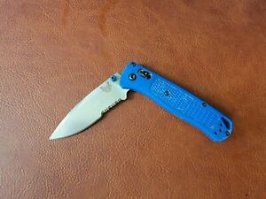Benchmade 535 Bugout Folding Knife - Blue Good Condition! 020L