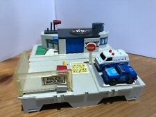 Galoob Micro Machines Travel City Police Station + 2 Police Cars USED