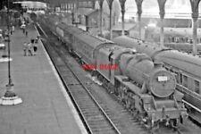 PHOTO  UP SIDE OF PRESTON RAILWAY STATION  STANIER 5MT 4-6-0 NO 45244 1950