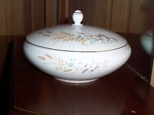 Covered Serving Bowl Autumn Wheat Fine China of Japan White Vegetable Dish