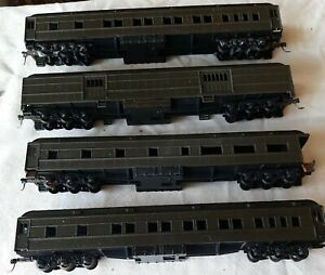 4 Athearn HO Heavyweight Passenger Car Set looks like a troop train no roadname.