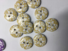 10 wooden Yellow and white Flower buttons, 15mm. Ideal for baby clothes, sewing