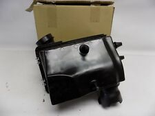 New OEM 2004-2005 Ford Explorer Air Cleaner Assembly 4L2Z9600AA