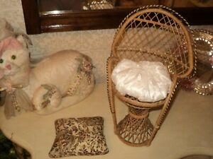 DOLL'S VINTAGE RATTAN 32 cm PEACOCK ARMCHAIR WITH PILLOW AND ONE FLOOR PILLOW