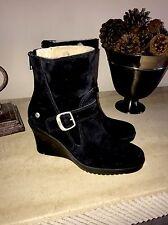 e46612ebce99 Ugg Women s Black Gissella 5593 Suede Leather Ankle Boots Sheepskin Sz 7 ...