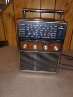 Vintage Aiwa 6 Band Radio (AR-161) estate find powers up.