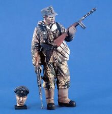 Verlinden 120mm 1/16 German Panzergrenadier Eastern Front (w/Optional Head) 2410