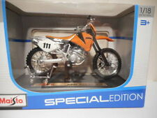 Motos et quads miniatures multicolores 1:8