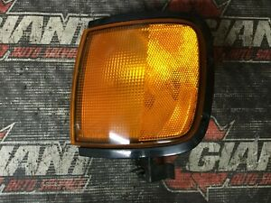 98 99 ISUZU RODEO LEFT DRIVER SIDE TURN SIGNAL PARK LAMP