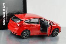 2011 Ford Focus ST rot 1:18 Minichamps NEU OVP